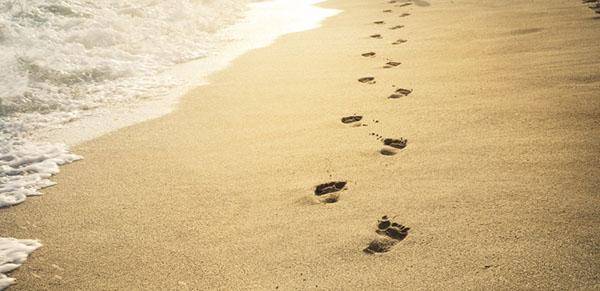 Footprints-©-Can-Stock-Photo-Inc_-miss_j